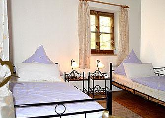 Ferienwohnungen in Oberaudorf im Pechlerhof, Schlafzimmer 2