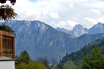 Blick vom Hocheck zum Kaisergebirge