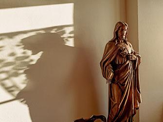 Detail im Kloster; Statue von Jesus