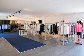 Ladengeschäft von Fashion Team and Friends