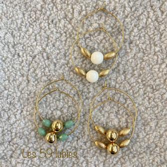 Perles facettées vertes, grises, noires, ivoire, montées en boucles d'oreilles possibles montées en clips pour oreilles non percées
