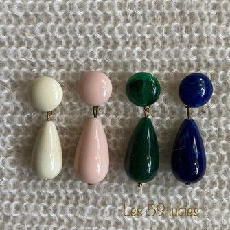 Boucles d'oreilles pour femmes pour oreilles percées ou non, composées de pompons colorés en coton fait-main sur dormeuse,  chandelier ou créoles en laiton avec sequin demi disque laiton, ou éventail en laiton ou disque en hématite