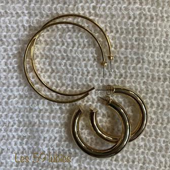 4 rosaces argentées, bronze ou dorées en laiton assemblées pour former des boucles d'oreilles très légères possibles en clips pour oreilles percées