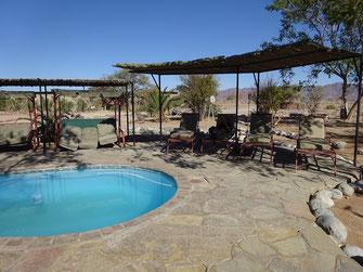 Le coin piscine du lodge
