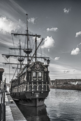 segelschiff-mottlau-danzig-hochkant-black-and-white
