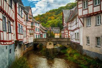 Blick über die Elzbrücken in Monreal © Jutta M. Jenning/mjpics.de