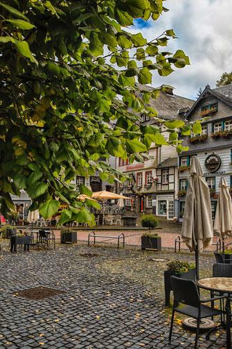 Marktplatz in Monschau in der Eifel © Jutta M. Jenning ♦ www.mjpics.de