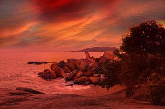 Großvaterfelsen im Sonnenuntergang bei rotem Licht