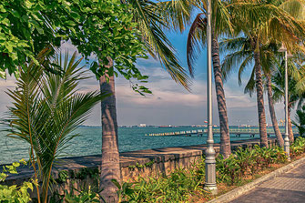 Blick vom Eastern & Oriental Hotel aufs Meer-Malaysia Insel Penang-Foto: www.mjpics.de