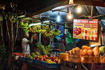 Früchtestand auf dem Nightmarket auf Langkawi © Jutta M. Jenning
