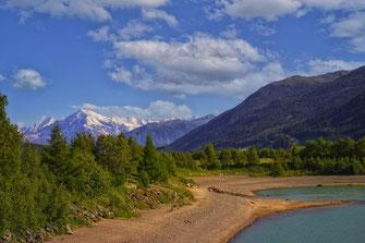 Am Reschensee in Südtirol