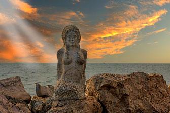 Meerjungfrau an der Uferpromenade in Piran