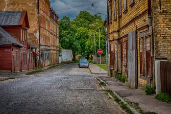 Riga-abseits der Altstadt-marode Häuser