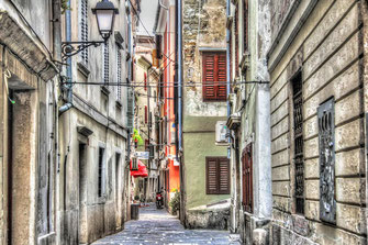 Malerische Gasse in Piran © Jutta M. Jenning ♦ mjpics.de