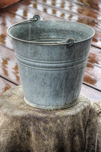 putzeimer-metall-wasser-eimer