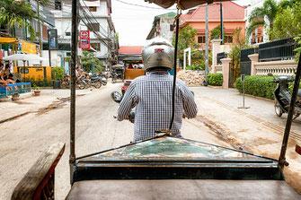 tuk-tuk-fahrt-in-siem-reap-kambodscha