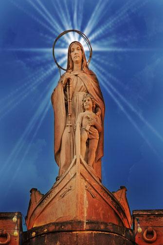 Marien-Statue Lady of Pompei Bildbearbeitung