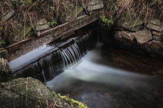 Am Wehr-kleiner Wasserfall ♦  © Jutta M. Jenning ♦ mjpics.de