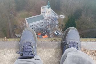 Füße oder Schuhe aus der Vogelperspektive - von Reinhard Musold