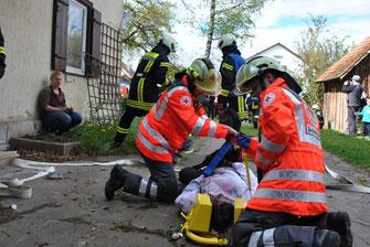 Übung, Feuerwehr, Rettung mit Spineboard, Einsatz, Alarm, DRK, Ammerbuch, Rettung, Verletzt
