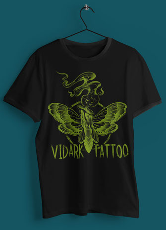 Vidark Tattoo Kerzenmotte Logo grün