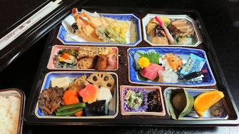 慶事、法事などに・・5,400円(税込)お弁当一例(要予約)