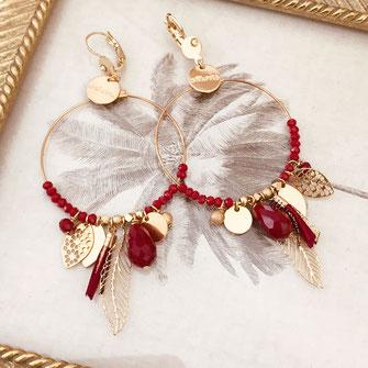 gipsy gwapita boucles d'oreilles earrings grosses belles créateurs perles pampilles breloques chic fin raffiné doré rouge couleurs plume pompon