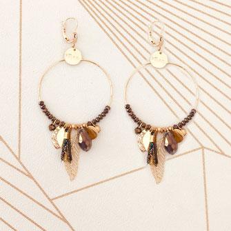 gipsy gwapita boucles d'oreilles earrings grosses belles créateurs perles pampilles breloques chic fin raffiné doré choco marron couleurs plume pompon