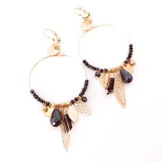 gipsy gwapita boucles d'oreilles earrings grosses belles créateurs perles pampilles breloques chic fin raffiné doré montana couleurs plume pompon