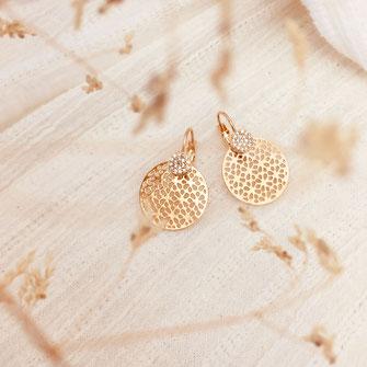 boucles d'oreilles gwapita doré plaqué or creatrice ronde  Camille dentelle rétro zirconium