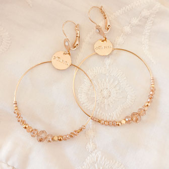 bo boucles d'oreilles gwapita wapita new collection creation bijoux mathilde perle d'eau douce jewels jewelry earrings gold plated plaqué or doré France Chloe champagne