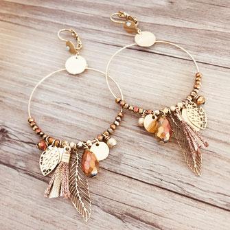 gipsy gwapita boucles d'oreilles earrings grosses belles créateurs perles pampilles breloques chic fin raffiné doré rose gold couleurs plume pompon