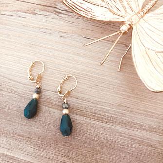 bijoux boucles d'oreilles vert goutte perles doré gwapita