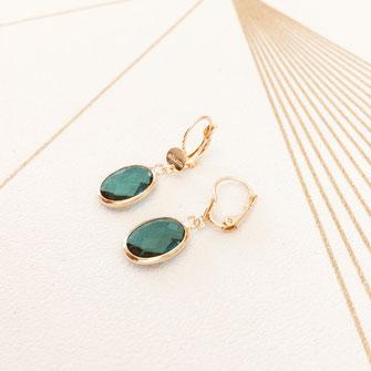 bijoux boucles d'oreilles oval vert pierre colorée  fine doré gwapita