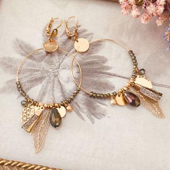 gipsy gwapita boucles d'oreilles earrings grosses belles créateurs perles pampilles breloques chic fin raffiné doré kaki couleurs plume pompon