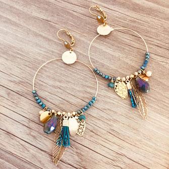 gipsy gwapita boucles d'oreilles earrings grosses belles créateurs perles pampilles breloques chic fin raffiné doré vert couleur plume pompon
