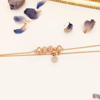 bracelet doré plaqué or fin Gwapita bijoux créatrice française france nude beige chair Brooklyn
