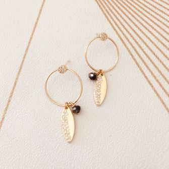 Juliette noir boucles d'oreilles gwapita doré plaqué or creatrice ronde feuille doré perle