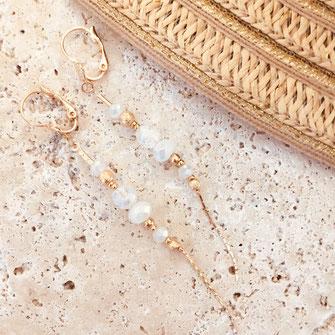 gwapita annabelle longue chaine fine perles beige nude doré boucles d'oreille earring blanc white