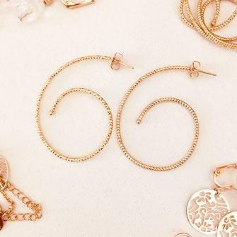 bo boucles d'oreilles gwapita wapita new collection creation bijoux mathilde perle d'eau douce jewels jewelry earrings gold plated plaqué or doré France CRÉOLE LEANE