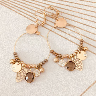 boucles d'oreilles noire gwapita belle grosse creole ronde breloque papille perles doré plaqué or bijoux earrings kaki plume pompons