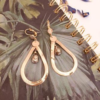 boucles d'oreilles gwapita doré plaqué or creatrice goutte serpent chaine pierre précieuse naturelle spinelle creation oxyde zirconium Yasmine