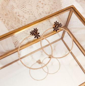 boucles d'oreilles gwapita doré plaqué or creatrice ronde Joséphine noir anneau gros grosse anneau