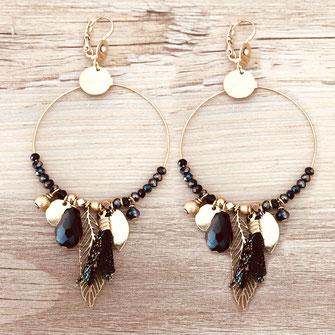 gipsy gwapita boucles d'oreilles earrings grosses belles créateurs perles pampilles breloques chic fin raffiné doré noir couleurs plume pompon