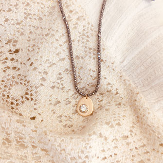 collier oscar gris noir perles fin gwapita