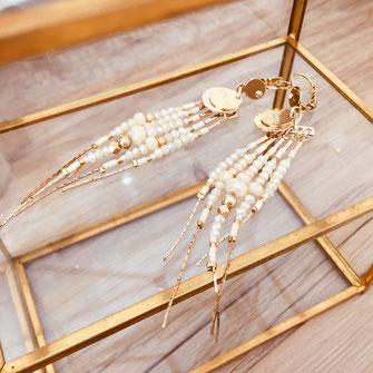 gwaita diva iconiques bijoux boucles d'oreilles perles longues beige