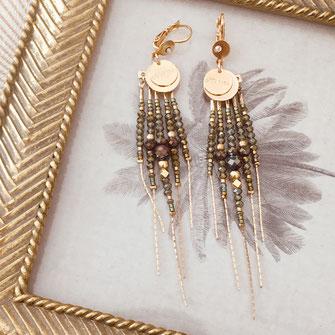 boucles d'oreilles gwapita belle grosse longues createur créatrice perles doré plaqué or bijoux earrings nude longues perles chaines kaki