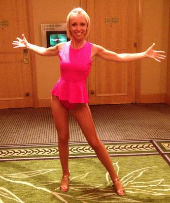 2014 tanzte ich meine allererste Show auf der großen Bühne des NYC Salsa Kongresses mit Karel Flores - nach ihrer ShowChoreographie.