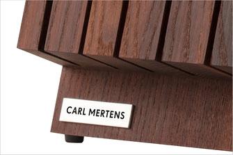 Rutschfeste Gummifüße, CM-Logo aus Metall