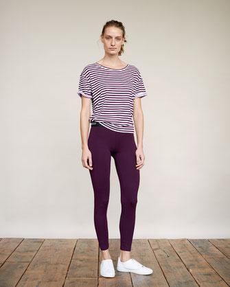 yoga fashion zürich lifestyle mode yoga pants striped shirt